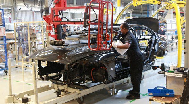 เยี่ยมชมสายการผลิต Plug-in Hybrid ส่งตรงจาก BMW