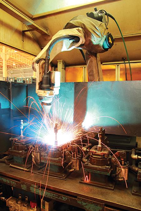 การใช้หุ่นยนต์ในอุตสาหกรรมการผลิต