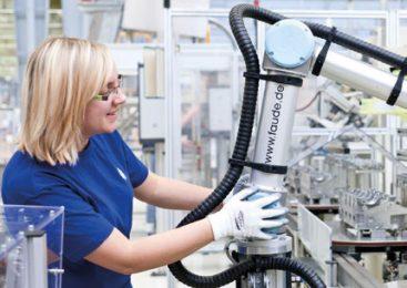 ถึงเวลาเลียนแบบมนุษย์! หุ่นยนต์เรียนรู้ผ่านการทดลองและความผิดพลาด