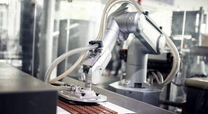 ตามติดเทรนด์ 'โรงงานอุตสาหกรรมยุคใหม่' ขับเคลื่อนกระบวนการผลิตด้วยหุ่นยนต์
