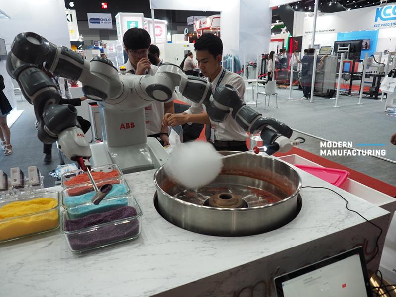 หุ่นยนต์ YuMi กับการทำสายไหม