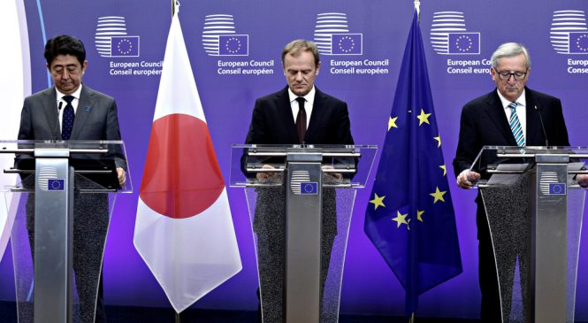 ญี่ปุ่นจับมือ EU ข้อตกลงการค้าเสรี แสงสว่างท่ามกลางพายุ