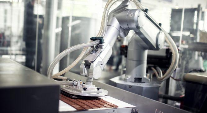 หุ่นยนต์รุกตลาดแรงงาน! ตำแหน่งว่างหด ค่าจ้างแรงงานลด