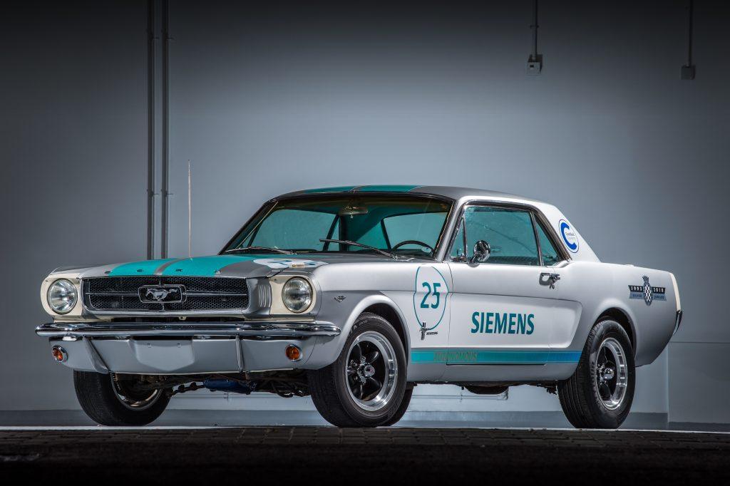 Ford Mustang 1965 SIEMENS