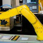 หุ่นยนต์ Fanuc มีบทบาทอย่างไรในโรงงานผลิตชีส