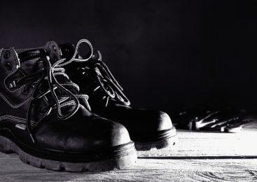 รู้ไหม? รองเท้านิรภัยถูกแพงต่างกันแค่ไหน?