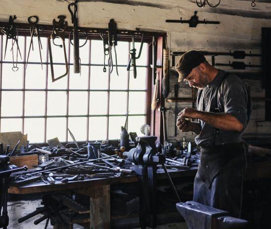 7 เครื่องมือช่างสุดฮิตที่ต้องมีติดโรงงาน