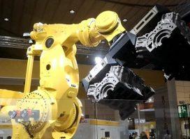 โชว์พลัง SUPER ROBOT ยกหนักสถิติโลก