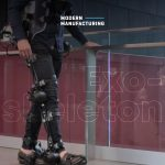 จะเกิดอะไรขึ้นหากวิศวกรผสาน AI, กล้องสวมใส่และหุ่นยนต์แบบ Exoskeleton ที่เดินได้เข้าด้วยกัน?
